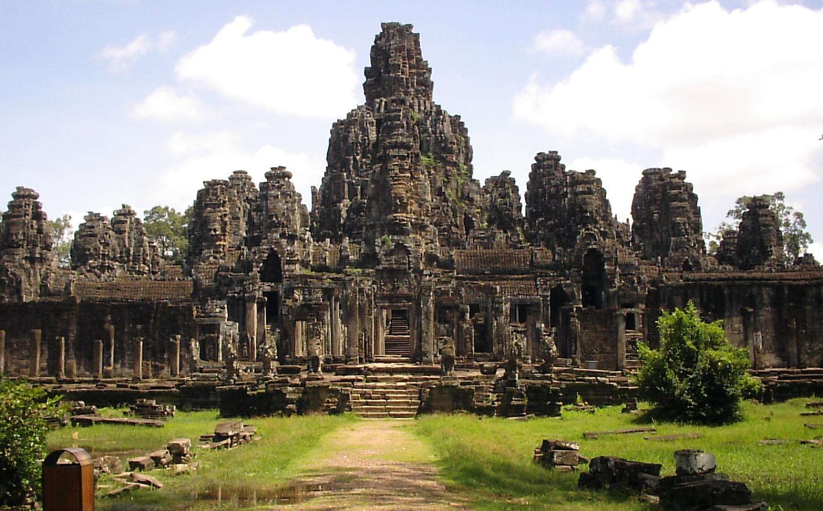 カンボジアで海外ボランティア